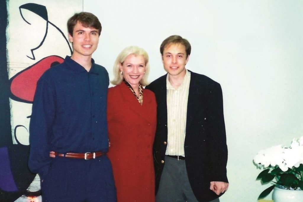 Elon with his brother and mother