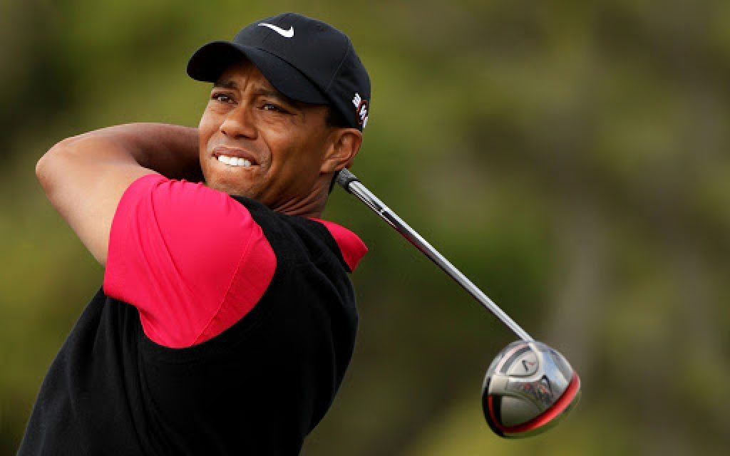 Tiger Woods playing professional golf