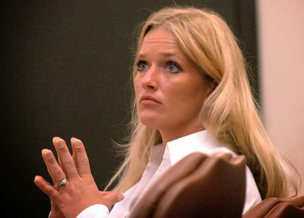 Teachers Who Got Into Trouble At School: Carrie McCandless