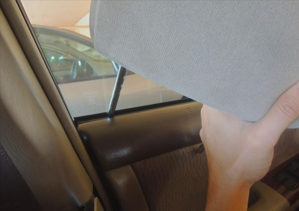 headrest with spikes on the bottom